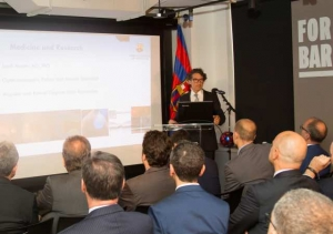 El Dr. Jordi Monés, en la presentació a Nova York del FCB Universitas